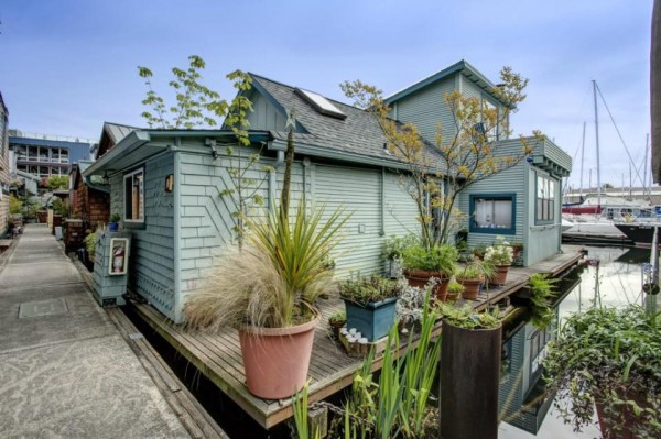 lake-union-seattle-640-sq-ft-houseboat-01