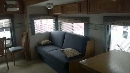 laura-and-chads-5th-wheel-tiny-home-before-and-after-009