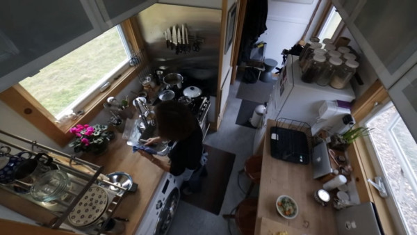 living-large-tiny-house-movement-004