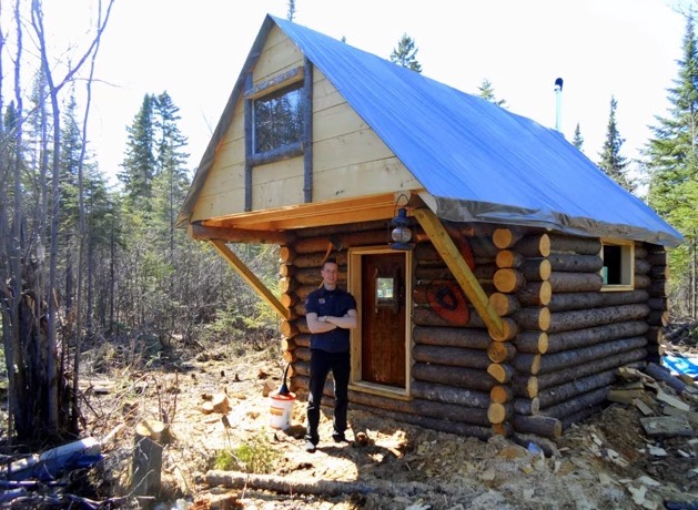 Tiny House Floor Plans Small Cabins Tiny Houses Small: Man Builds Tiny Log Cabin For $500