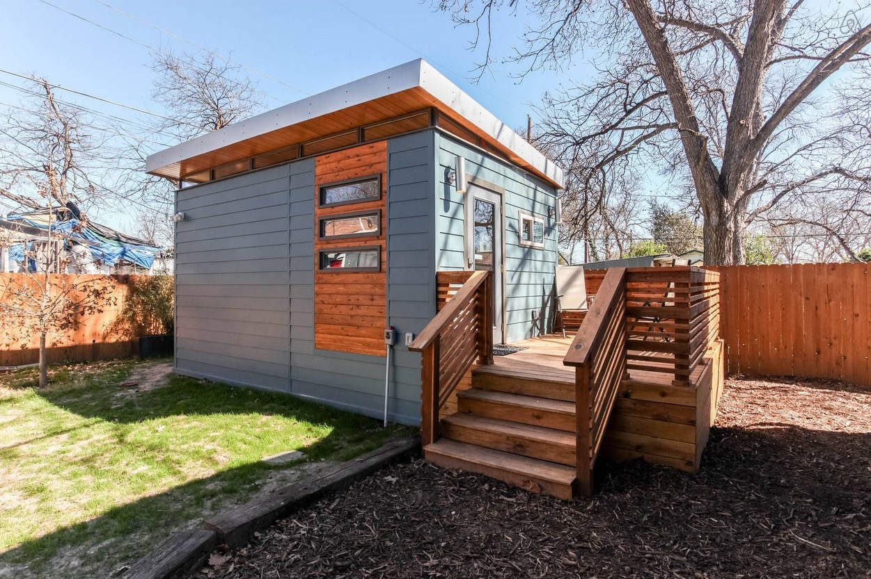 Modern And Minimalist Kanga Tiny House In Austin Tx