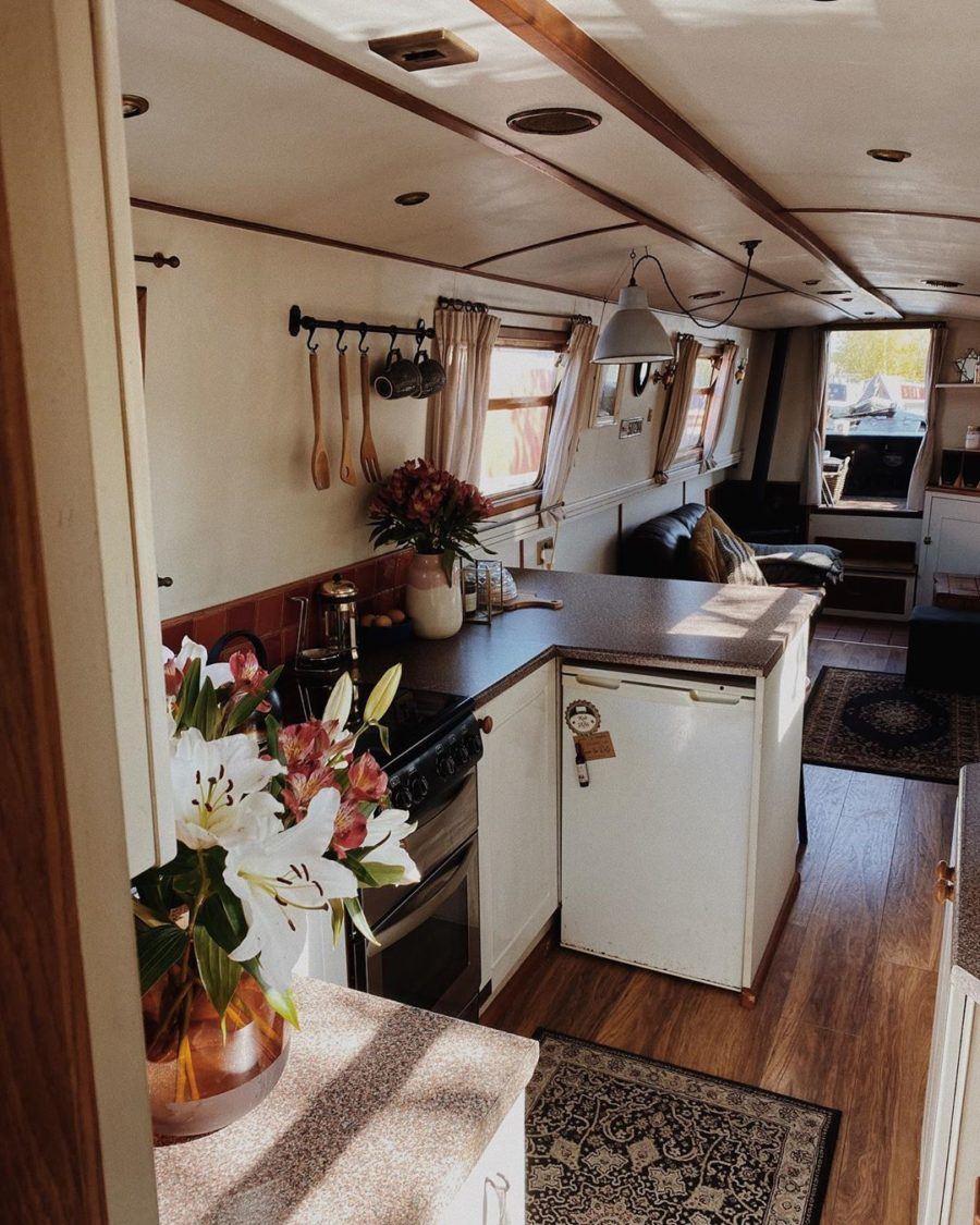 One Couple's 7 Years Living on a Narrowboat in Derbyshire, England!  9
