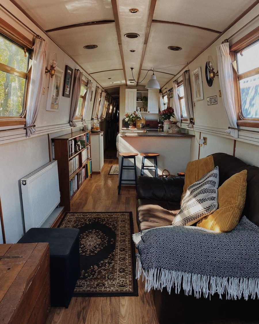 One Couple's 7 Years Living on a Narrowboat in Derbyshire, England! 11