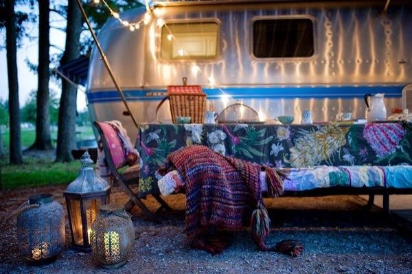 renovated-airstream-with-anthropologie-and-sarah-schneider-002