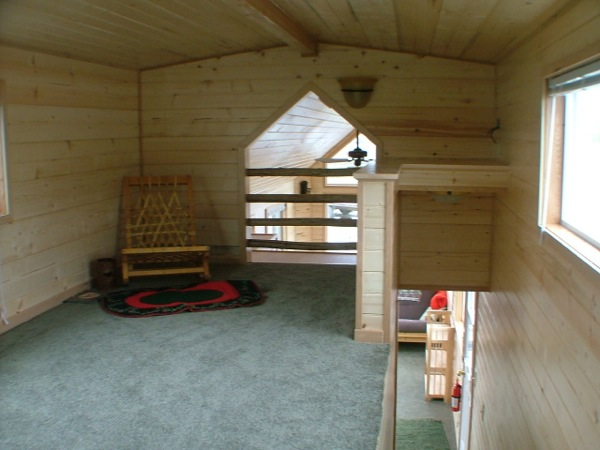 rich-the-cabin-mans-spacious-tiny-house-010