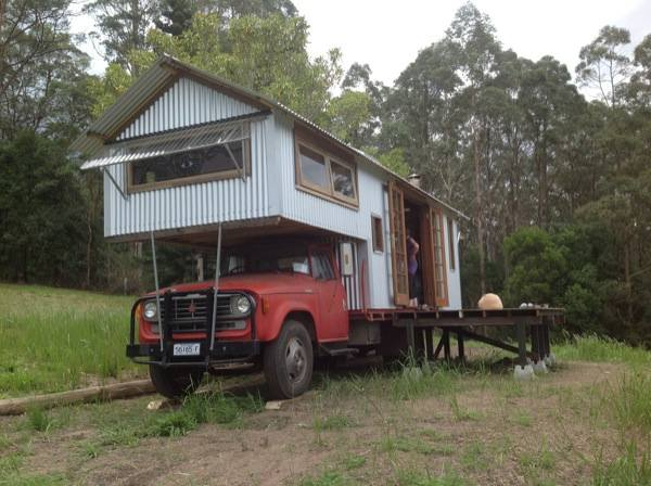 Rob Scott's Studio Housetruck Tiny Houses (1)