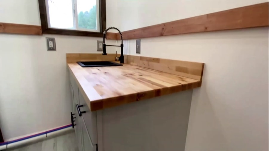 Debt-Free Kentucky Shed-To-Home Conversion 7