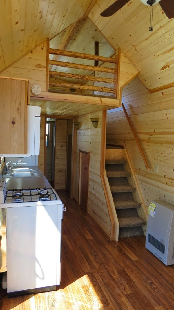 Spacious tiny house living in rich 39 s portable cabins for Small livable cabins