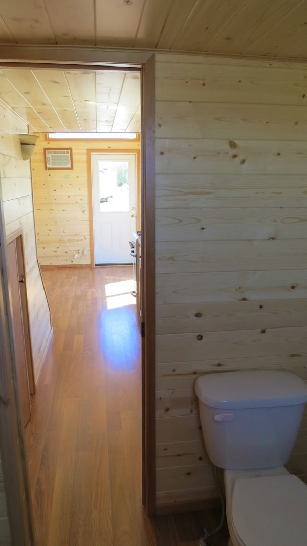 spacious-tiny-house-on-wheels-by-richs-portable-cabins-006