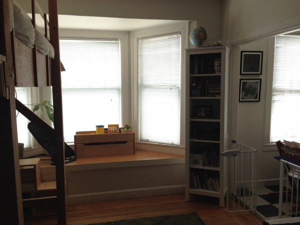 studio-apartment-room-window1