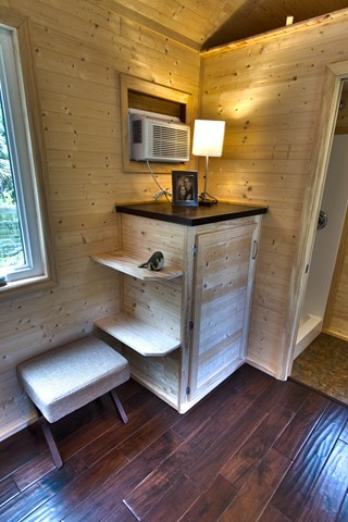 studio-tiny-house-for-sale-008