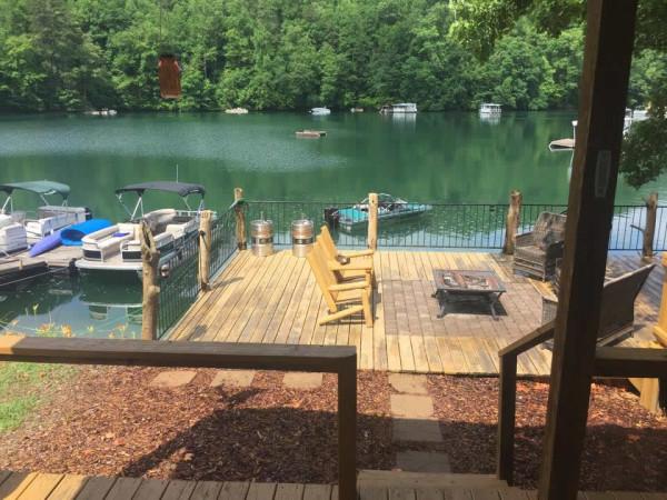 tiny-floating-cabin-fontana-lake-005