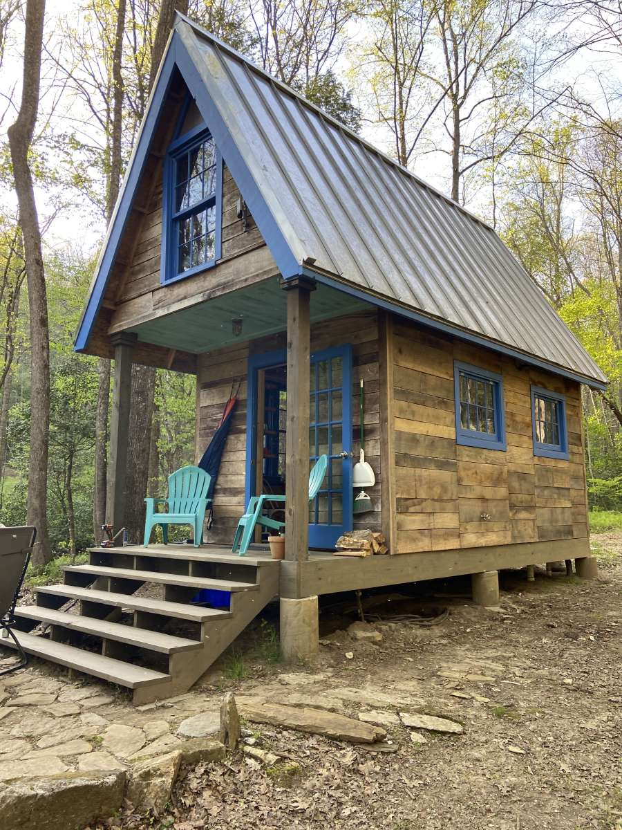 tiny-house-in-happy-valley-tiny-house-glamping-mountains (10)