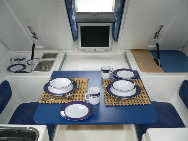 tiny-rv-innovan-interior-2