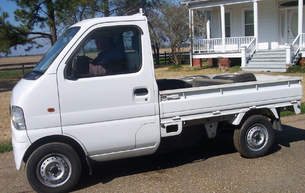 tiny-trucks-01
