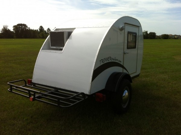 trekker-trailers-simple-sleeper-teardrop-camper-03