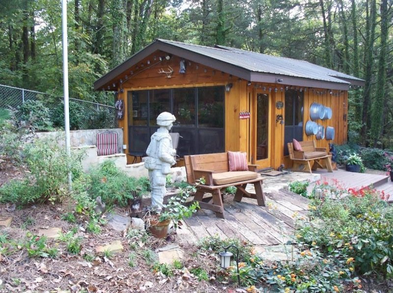 Retired Army General S Getaway Tiny Cabin And Office