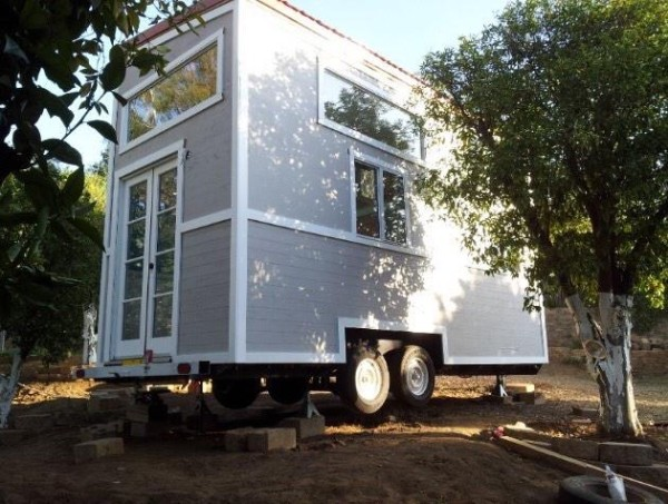 young-family-tiny-house-on-wheels-03